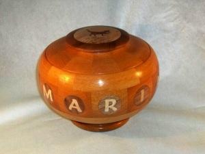 Ref. MA2108 - Bombonera de madera torneada