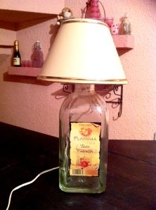 Ref. RA3107 - Lamparita de mesa hecha con botella de vidrio